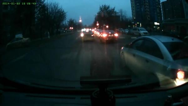 Запись автомобильного двухканального видеорегистратора PARKCITY DVR HD 460, ночь, фронтальная камера