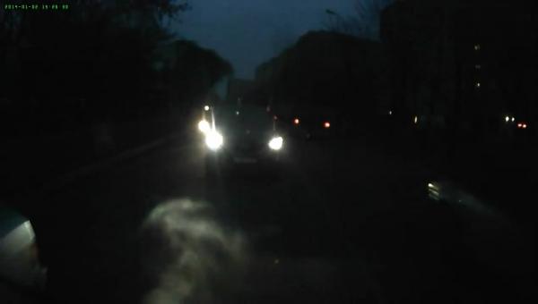 Запись автомобильного двухканального видеорегистратора PARKCITY DVR HD 460, ночь, тыловая камера