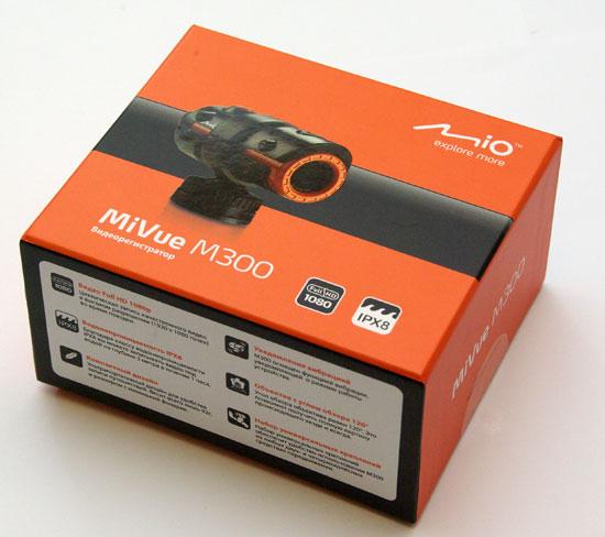Комплект поставки регистратора Mio MiVue M300.