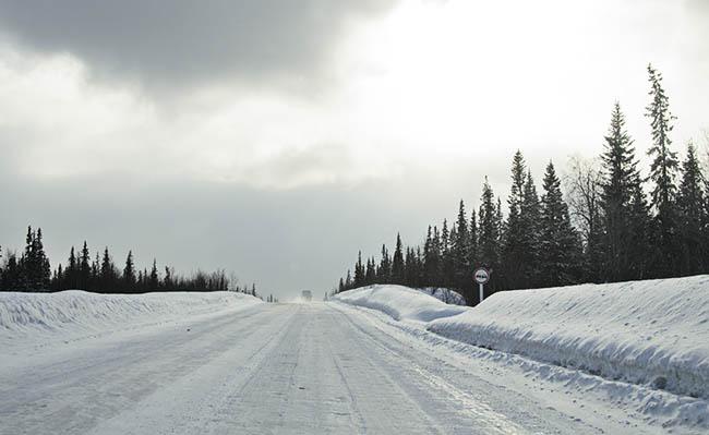 Зимняя дорога в Апатитах