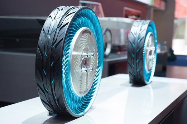 Курсовая устойчивость: концепция Bridgestone Air Free