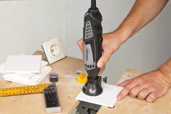 Как вырезать отверстие в плитке?