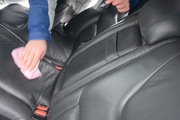 Liqui Moly Motorbike Leder-Kombi-Pflege – средство для ухода за кожаными изделиями, тест