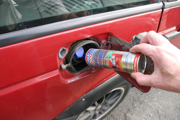 Рассказываем, как удалить воду из топлива, так чтобы не погубить двигатель