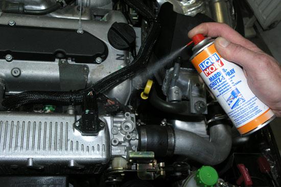 Если существует риск повреждения проводки крысами обработайте ее средством от грызунов LIQUI MOLY Marder-Schutz-Spray