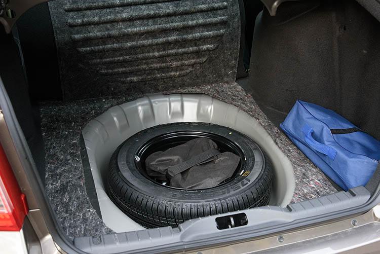 Datsun on-DO запасное колесо