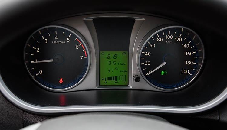 Datsun on-DO приборная панель с бортовым компьютером расход топлива