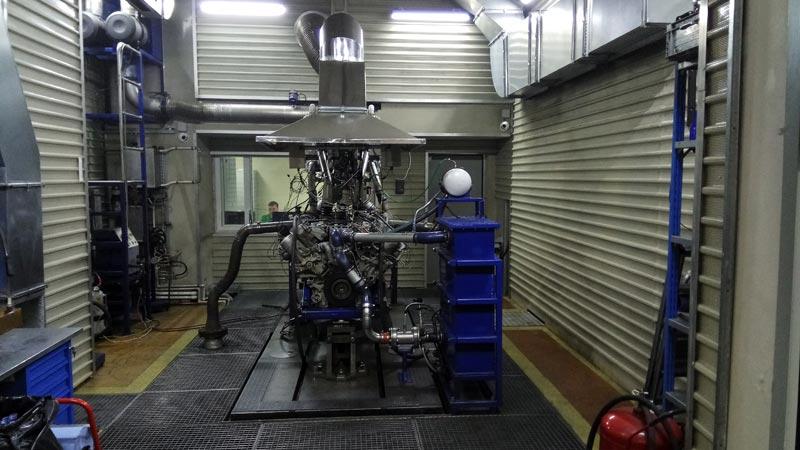 Испытательный стенд для доработки двигателей в лаборатории «КАМАЗ-мастер».