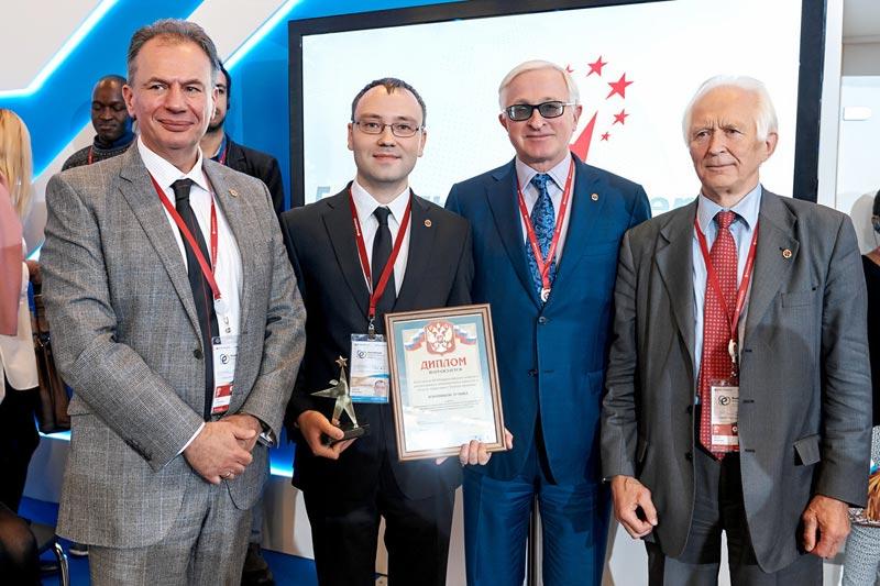 1 миллион рублей за оптимизацию ДВС: победитель «Энергия прорыва» был награжден на РЭН
