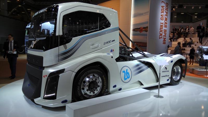 Супер грузовик Volvo Iron Knight в Москве!