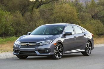 Honda Civic 1.6 i-DTEC имеет расход 3,5 л/100 км и привлекательные цены